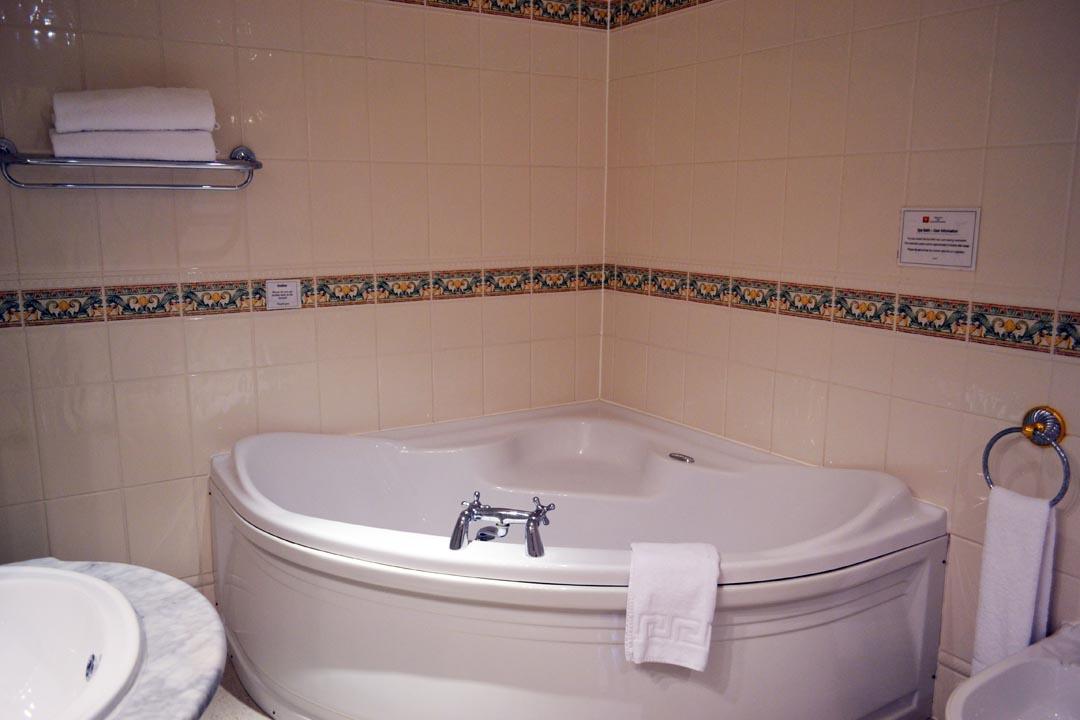 http://theoldebarnhotel.co.uk/wp-content/uploads/2014/10/DSC_4113a.jpg